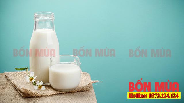 Dùng chính những cốc sữa tươi để khử mùi sơn trong phòng
